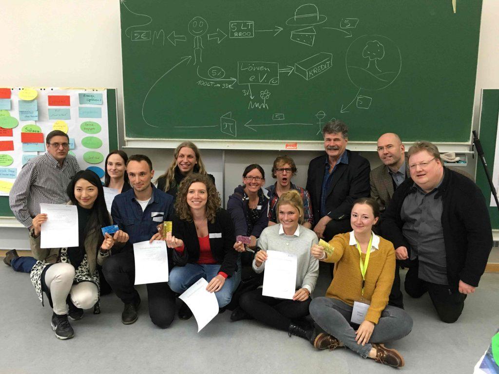 """Die Arbeitsgruppe nach der Präsentation ihrer Ergebnisse eines Workshops beim Studierenden-Kongress """"Sustainable Insights"""""""
